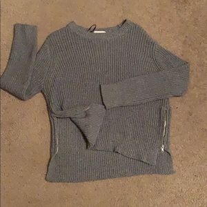 H&M grey sweater with side zippers